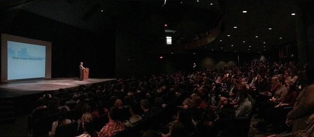 speaking.crowd